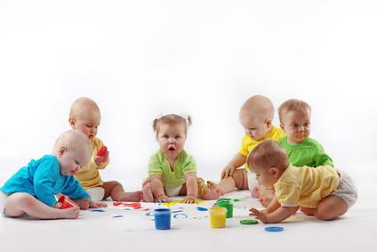 Grupa małych dzieci