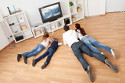Dlaczego dziecko siedzi przed telewizorem?