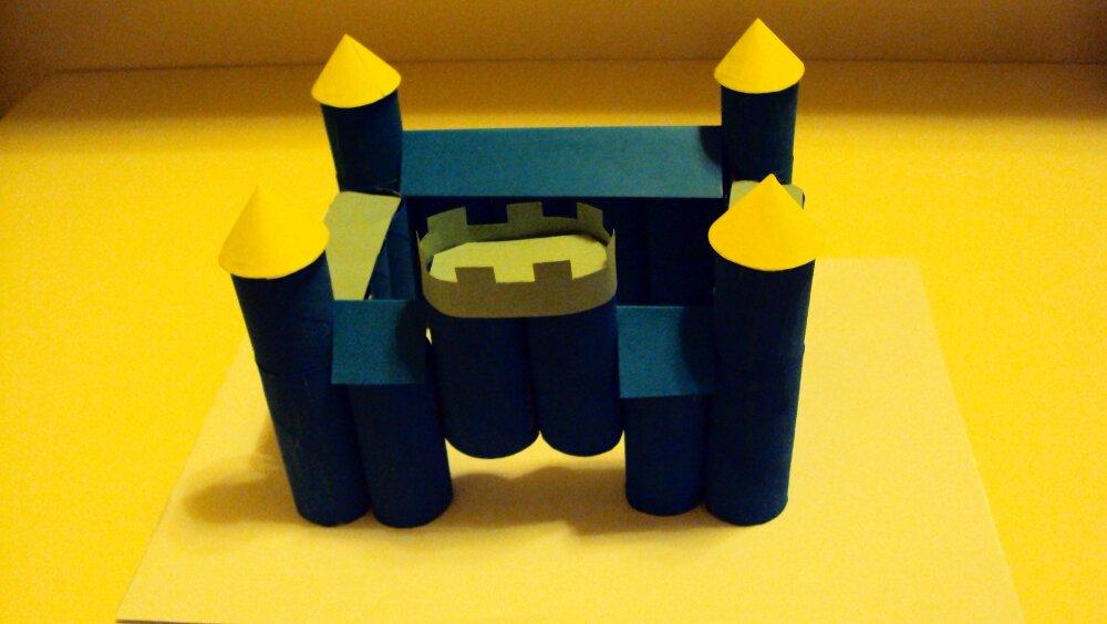 zamek z papieru 9